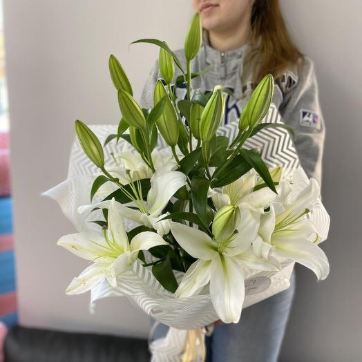5 веток лилии