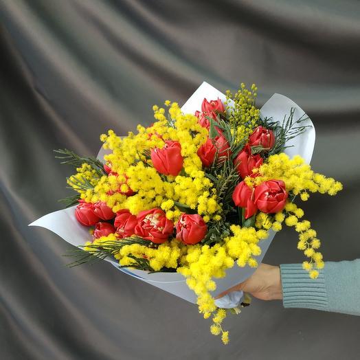 """Букет """"Тюльпаны с мимозой"""""""