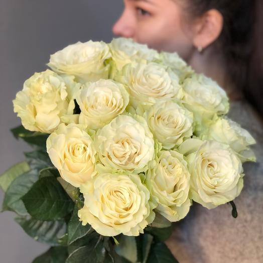 Букет белых из 15 роз