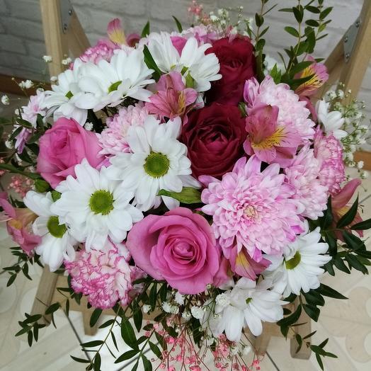 Цветы в коробке (цвет и форма коробки может отличаться от фотографии)