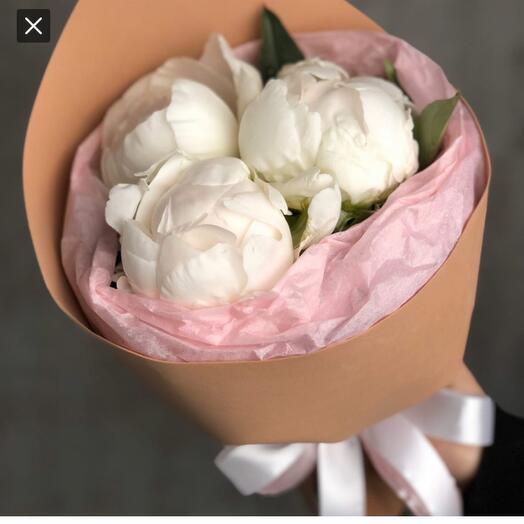 "3 white peonies-Bouquet "" Plombir»"