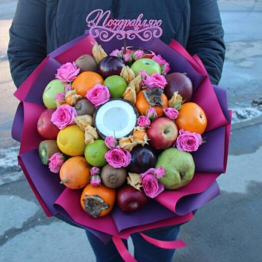 Фруктово-цветочный букет с кокосом