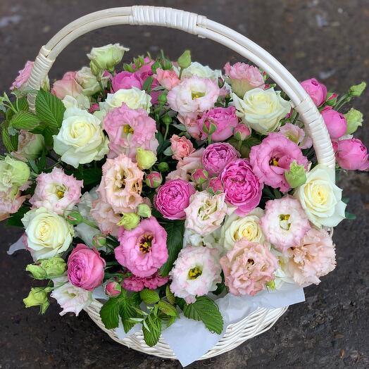 Корзина с цветами florensia