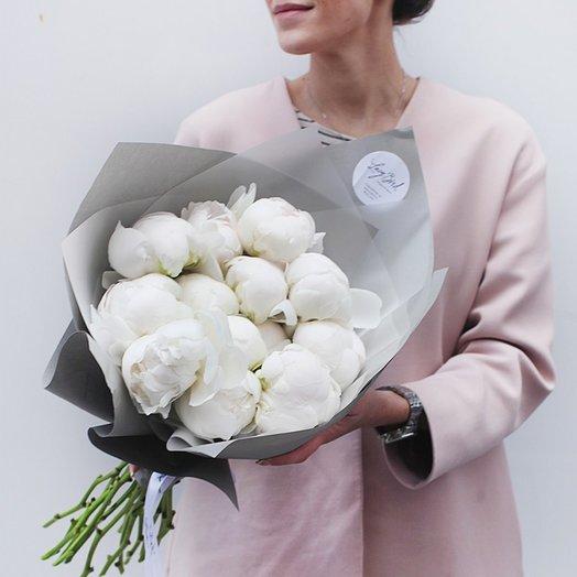 Букет  из белых пионов: букеты цветов на заказ Flowwow
