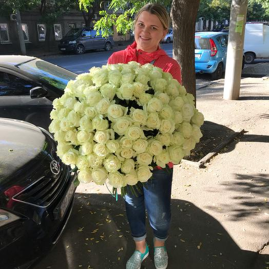 101 ароматная эквадорская роза сорт Мондиаль 90 см: букеты цветов на заказ Flowwow