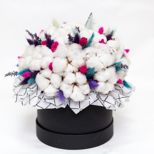 Коробочка с хлопком и лагурусом: букеты цветов на заказ Flowwow