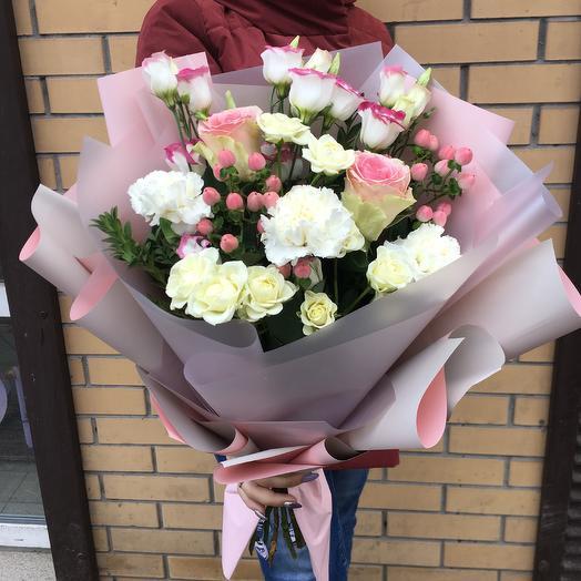 Брызги розового: букеты цветов на заказ Flowwow