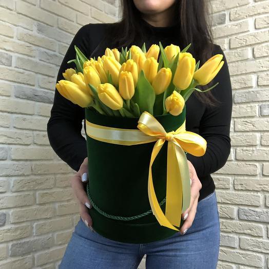 Желтые Тюльпаны в бархате: букеты цветов на заказ Flowwow