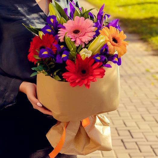 Букет из лилий, гербер и ирисов: букеты цветов на заказ Flowwow