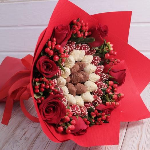 """""""АЛЫЙ"""" с розами: букеты цветов на заказ Flowwow"""