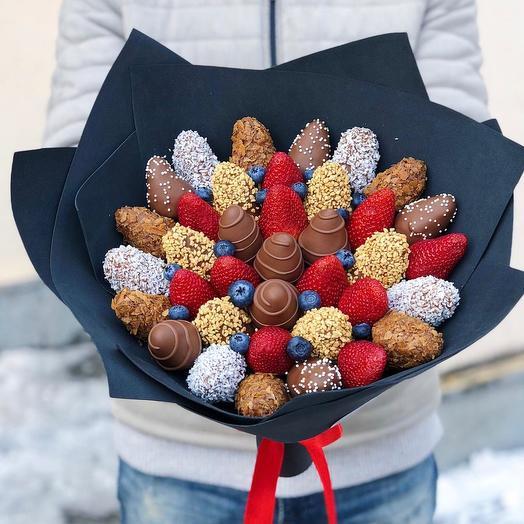 Букет из клубники в бельгийском шоколаде: букеты цветов на заказ Flowwow