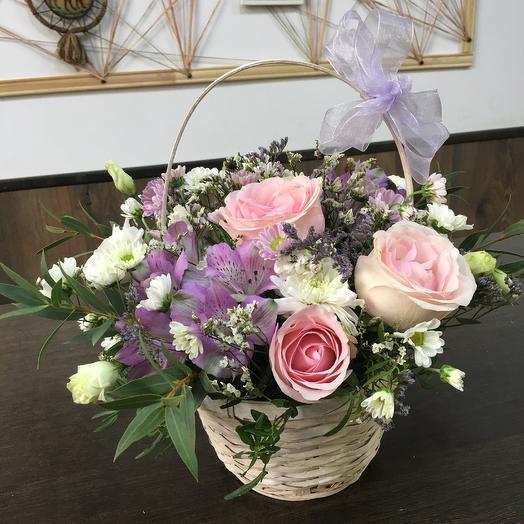 Корзинка «Нежность»: букеты цветов на заказ Flowwow