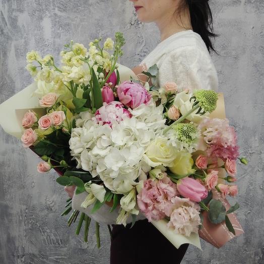 Шикарный букет из гортензии, пионов, маттиолы Блаженство: букеты цветов на заказ Flowwow