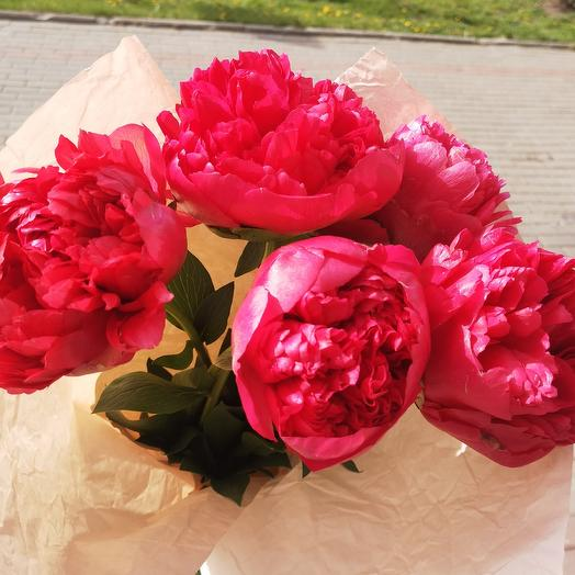 Пионы красные: букеты цветов на заказ Flowwow