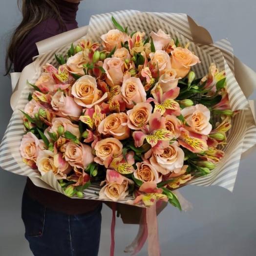 Розы с альстромериями: букеты цветов на заказ Flowwow