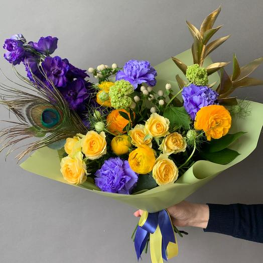 Букет с павлиньим пером: букеты цветов на заказ Flowwow