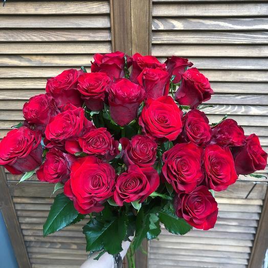 23 красных розы