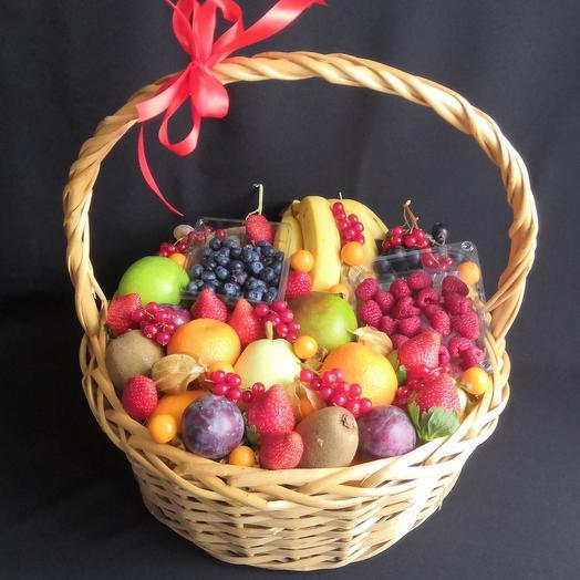 Premium:  большая фруктово-ягодная корзина