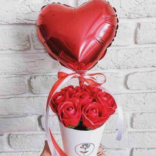 Мыльные розы с шаром сердце