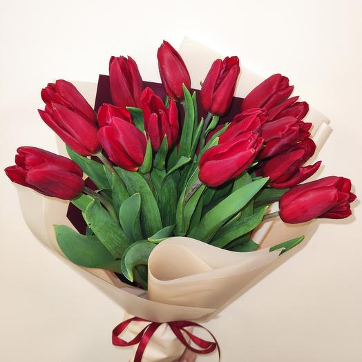 Bouquet of tulips 15 HIT
