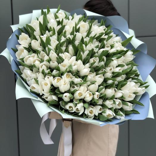 Royal Virgin bouquet of 131 white tulips