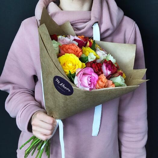25 разноцветных роз 40 см