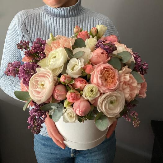 Весенняя композиция с пионовидными розами