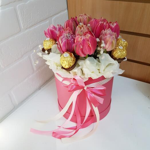 Тюльпаны и ферреро