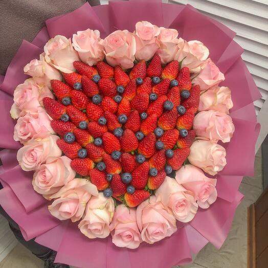 Букет из свежей клубники «One love»