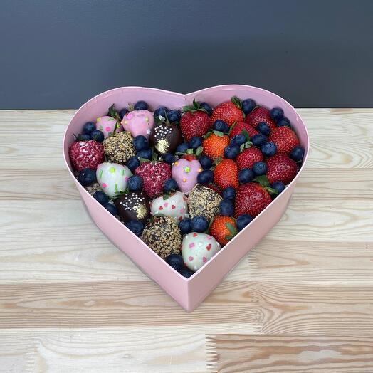 Коробка «Ягодное сердце»