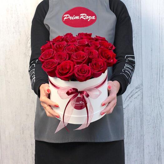 Букет из роз в декоративной коробке A9084