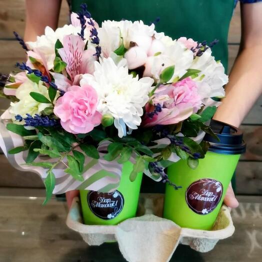 """Подарочный набор с цветами и кофе """"Лавандовый сет"""""""