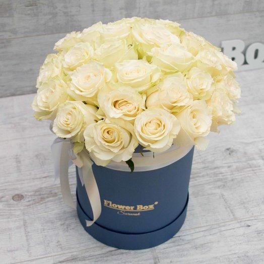 Шляпная коробочка размера М (31-33 розы): букеты цветов на заказ Flowwow