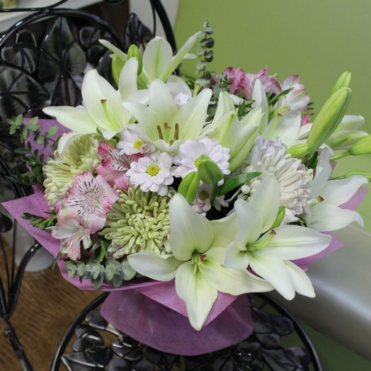 Bouquet of Lily and Chrysanthemum