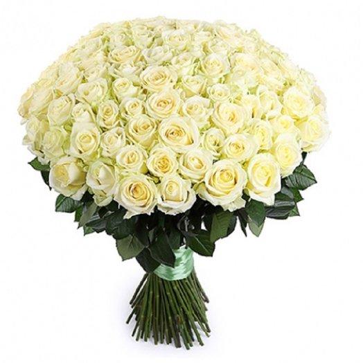 101 роза вайт наоми 60 см: букеты цветов на заказ Flowwow