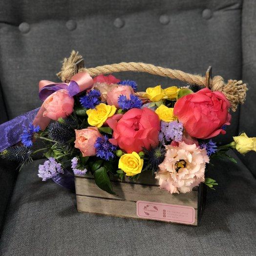 Цветы в коробке : букеты цветов на заказ Flowwow