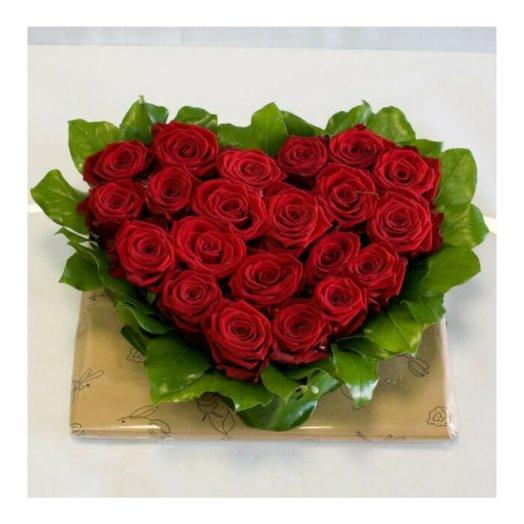 Сердце из роз (21 шт): букеты цветов на заказ Flowwow