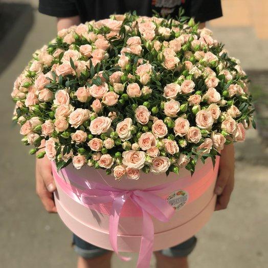 Коробки с цветами. Кустовая роза.101 роза. N163: букеты цветов на заказ Flowwow