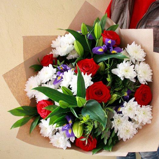Букет с лилией : букеты цветов на заказ Flowwow