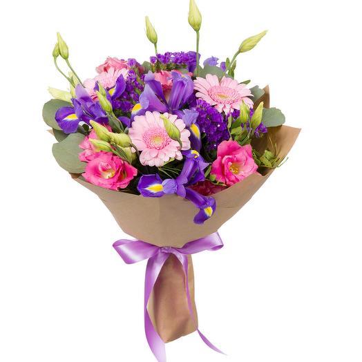 Букет из гербер, лизиантуса и ирисов: букеты цветов на заказ Flowwow