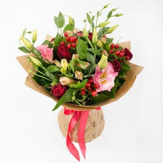 Лизиантус с хиперикумом: букеты цветов на заказ Flowwow