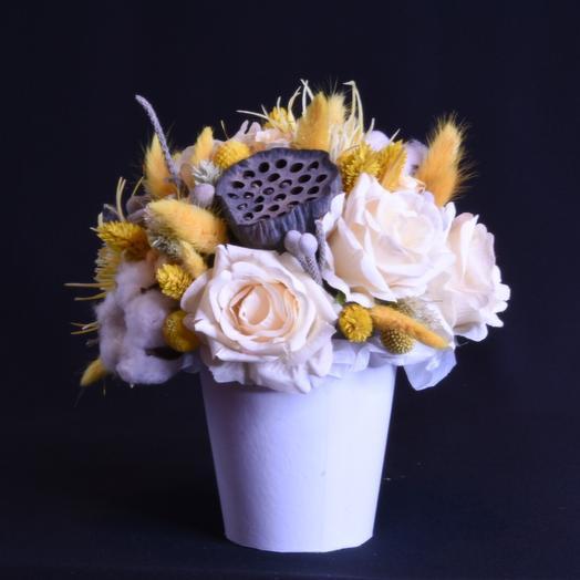 Композиция из сухоцветов и стабилизированных цветов: букеты цветов на заказ Flowwow