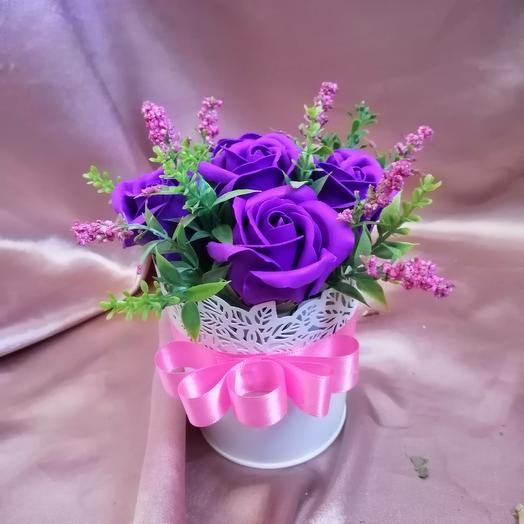 Мини призент с мыльными розами: букеты цветов на заказ Flowwow
