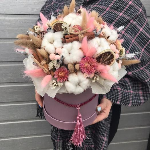 """Dried flowers in a hatbox """"Exquisite charm"""": flowers to order Flowwow"""