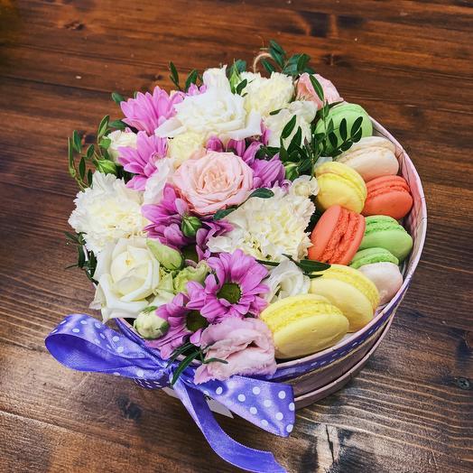 Цветочно-конфетная коробка любимой