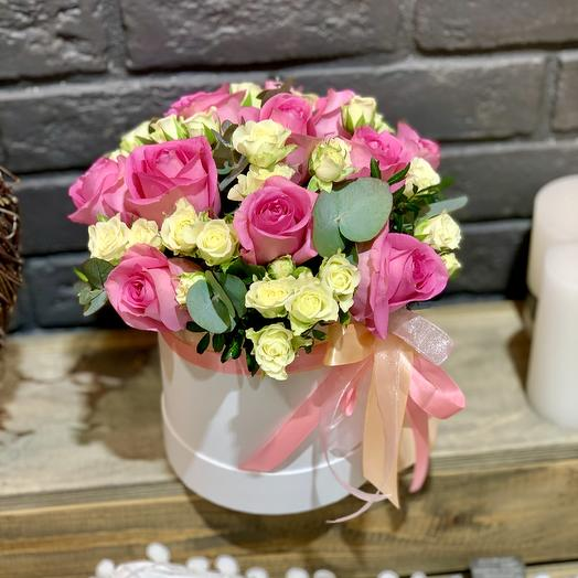 Композиция в коробке «Романтика»: букеты цветов на заказ Flowwow