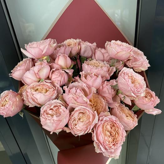 Пионовидная кустова Роза