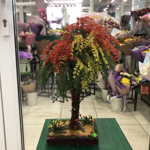 Дерево ручной работы из бисера