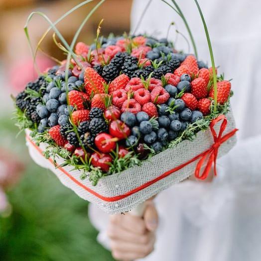 """Букет из ягод """"Ягодная поляна"""""""