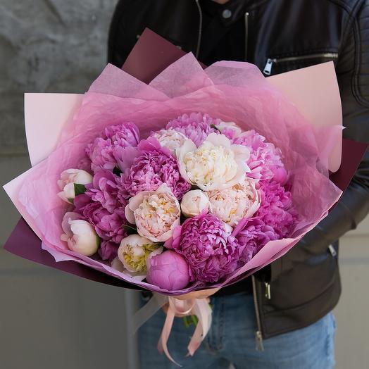 Микс пионов: букеты цветов на заказ Flowwow